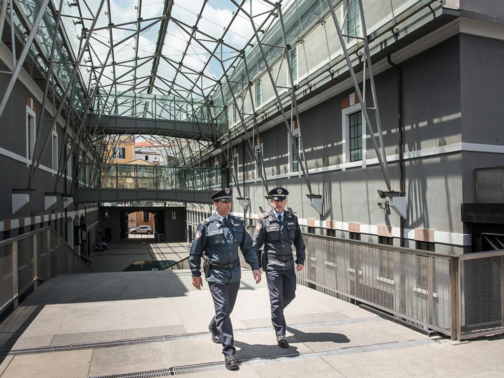 guardia giurata roma new master police