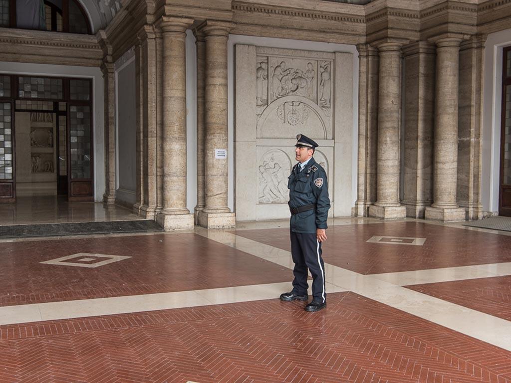 vigilanza armata roma piantonamento new master police